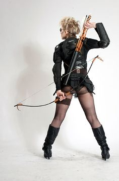 ROYSTON VASEY NOTES & NEWS Royston Vasey Archery Club memberDori Rachelle shows off her reloading technique. She has perfected it to the extent she can have five arrows in the air at once.What an asset she would have been at Agincourt. From Jagged Eye HERE