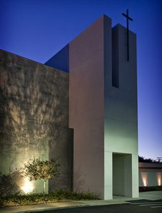 Tampa Covenant Church by Alfonso Architects #architecture #religious-buildings