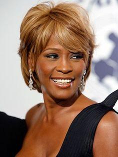 Novo álbum de Whitney Houston será lançado em novembro http://angorussia.com/entretenimento/musica/novo-album-whitney-houston-sera-lancado-novembro/