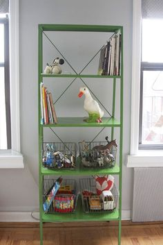 Love this awesome green shelf - could totally do this with the 15$ metal shelf from IKEA Img_1860_2_rect640