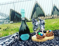 Happy Easter lovers!  #royalbotanicgardens #sydney #sydneyharbourbridge #operahouse #travel #picnic #picnics #picnictime #easter #eastertreats #longweekend #romantic #date #dessert #picnicvibes #vegetarian #prosecco #wine #sydneyeats #Sydneyfood #potd #instadaily #love #easteregg #bbg #blogilates #homemade #homecooking by picnicvibes http://ift.tt/1NRMbNv