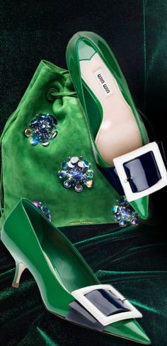 These shoes and bag...green as a cat's eyes Meow...MiuMiu