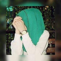 Find images and videos about green and hijab on We Heart It - the app to get lost in what you love. Hijabi Girl, Girl Hijab, Hijab Outfit, Cute Girl Poses, Cute Girls, Hijab Fashion, Fashion Outfits, Hijab Dpz, Stylish Hijab