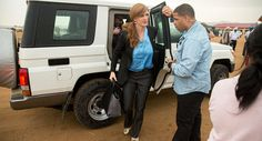 Konvoi kendaraan Duta Besar AS tewaskan bocah Afrika  KAMERUN (Arrahmah.com) - Sebuah jeep lapis baja dalam konvoi Duta Besar AS untuk PBB Samantha Power menewaskan bocah laki-laki berusia 7 tahun di Kamerun.  Kecelakaan tersebut terjadi di dekat Moloko Township di Kamerun utara. Duta Besar dan para pembantunya berencana untuk bertemu pengungsi dan warga yang terlantar akibat konflik.  Kendaraan tidak mampu berhenti ketika bocah malang itu berlari. Setelah menabrak anak itu mobil…