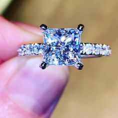 Princess Cut Moissanite Engagement Ring with Diamond Micro Pave Band - Schmuck - Yellow Engagement Rings, Princess Cut Engagement Rings, Engagement Ring Settings, Princess Cut Rings, Beautiful Rings, Diamond Rings, Wedding Rings, Bling, Videos Video