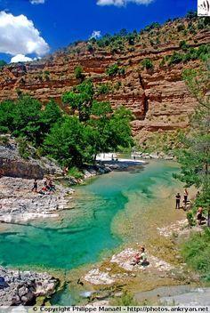 Eaux turquoises du Rio Alcanadre / Canyon de la Peonera (Sierra de Guara, Espagne)                                                                                                                                                                                 Plus