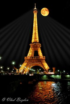 Eiffel Tower | Flick