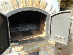Kemax - Kecskeméti búboskemence grillezővel Bricks Pizza, Outside Fireplace, Home Projects, Oven, Home Decor, Wood Burning Fireplaces, Ovens, House Decorations, Decoration Home
