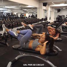 Giiiiirl poooower AB CIRCUIT waaaaouzaa ♀️ LOVE THIS!!! Stronger together! Push each other ♀️ ✖️20sec /exercise x 3 rounds   …