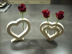 deco-bois-pour-saint-valentin-par-bricoconseil/ - The world's most private search engine Wooden Gifts, Wooden Decor, Wooden Diy, Woodworking Patterns, Fine Woodworking, Woodworking Projects, Woodworking Furniture, Japanese Woodworking, Valentines Day Decorations