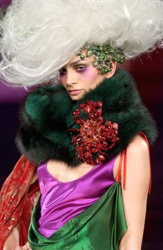 Christian Lacroix Fall 2004 Couture