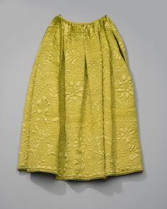 doorgestikte onderrok van gele zijde, Zaanstreek 1700-50