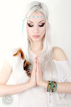 OmBeautiful Yoga Fashions and fun makeup idea