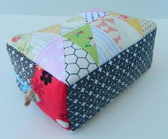 s.o.t.a.k handmade: triangle patchwork box pouch