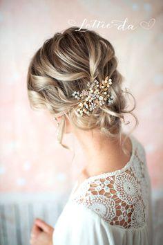 Gold Boho Hair Vine Comb Bridal Pearl Flower von LottieDaDesigns