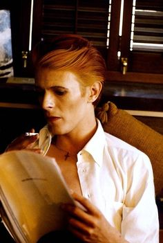 """David Bowie on set of """"The Man Who Fell To Earth"""". Photo by Steve Schapiro. 1975."""