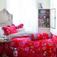 Red and pink duvet cover