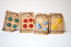 ButtonArtMuseum.com - Vintage Buttons on Card Multicolored Green Red by QuiteRightSlick