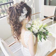 花嫁ヘアは【ポニーテール】で決まり!おしゃれなアレンジ15選 Party Hairstyles, Braided Hairstyles, Wedding Hairstyles, Wedding Tips, Wedding Styles, Bouquet Images, Bridal Hair Updo, Elegant Wedding Hair, Bridal Looks