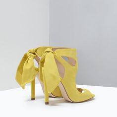 Image 3 of LEATHER HIGH HEELED SANDALS WITH BOW from Zara