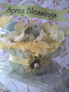 Sometimes I just need to stop and make something pretty, frufru and sweet. I wanted to just show you a few of the pretties I've been working. Out Of Hand, Raspberry Preserves, Us Foods, Shapes, Easter Ideas, Spring, Pretty, Crafts, Sweet
