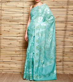 Varuna is known for its minimalist yet characterful, light weight sarees dipped in breezy shades of spring.