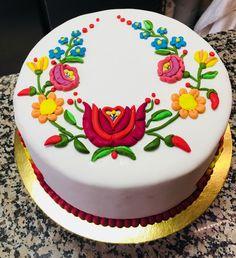 Chocolate Sticks, Icing Flowers, Fiesta Party, Ely, Cute Cakes, Cake Designs, Hungary, Amazing Cakes, Cupcake Cakes
