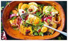 Fisktagine recept – godaste rätten i lergryta | Aftonbladet Salad Bowls, Couscous, Paella, Cobb Salad, Thai Red Curry, Vegetarian, Dessert, Fish, Cooking
