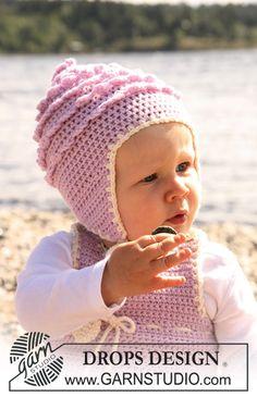"Crochet DROPS hat with lace borders in ""Merino Extra Fine"". ~ DROPS Design"