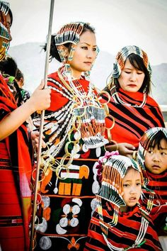 Attire Culture Clothing, Young Old, Indian Tribes, Asian History, Ethnic Dress, Dress Makeup, Ethnic Fashion, Wabi Sabi, Traditional Dresses