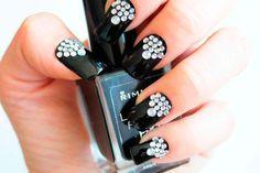 #NailArt #Strass – Cómo decorarte las #uñas con cristalitos Como poner cristales en las uñas Nail Art Strass, Nailart, 3d, Black Nails, Nail Decorations, Nail Art, Nails, Crystals, Jewels