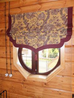 Римская штора с фигурным нижним краем: