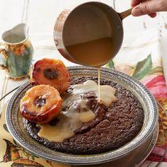 Die winter is 'n goeie verskoning om warm nageregte te geniet! Hot Desserts, No Bake Desserts, Dessert Recipes, Dessert Ideas, Yummy Recipes, Gluten Free Sugar Cookies, South African Recipes, Pudding Recipes, Recipe Today