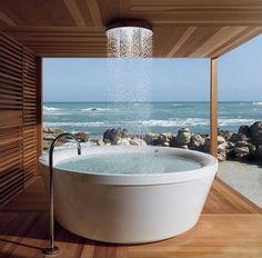 Incredible bathtub
