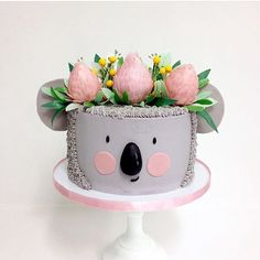 Koala cake for your party? Pretty Cakes, Cute Cakes, Beautiful Cakes, Amazing Cakes, Creative Cake Decorating, Creative Cakes, Decorating Tips, Girl Cakes, Dog Cakes