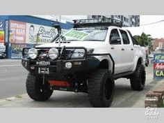 toyota 2004 hilux sr5 4x4 lifted - Google Search