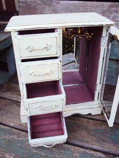 Shabby Chic Jewelry Box Vintage Distressed by primitivepincushion, $46.99