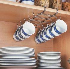 Apartment kitchen organization ideas life ideas for 2019 Home Decor Kitchen, Kitchen Interior, Home Kitchens, Diy Home Decor, Apartment Kitchen Organization, Home Organisation, Organization Ideas, Organizing Life, Organising