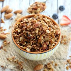 This delicious Maple Coconut Granola is full of healthy, clean ingredients, and is so easy to prepare. Pair it with milk for a yummy bowl of homemade cereal, sprinkle it on top of your yogurt, or simply eat it by the handful! Breakfast And Brunch, Breakfast Bites, Perfect Breakfast, Pumpkin Granola, Pumpkin Spice, Muesli, Brunch Recipes, Breakfast Recipes, Homemade Cereal