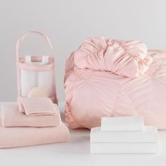 Settling into your new home-away-from-home is easy with our all-in-one Whimsical Waves Comforter Bundle.  Pottery Barn Teen Whimsical Waves Twin XL Comforter Bundle