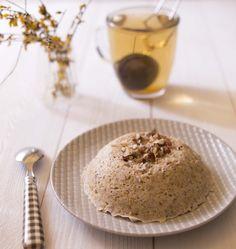 Impossible de résister à la tentation de tester ces fameux bowl cakes, la nouvelle recette à la mode. Une recette express, cuite au micro-onde, à la manière des mugs cakes mais dans une idée plus saine et pour le petit-déjeuner.