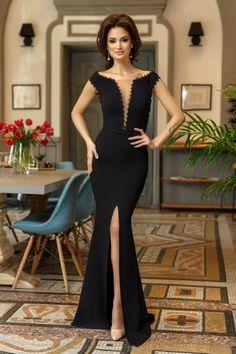 Rochie Illusion Neagra 289 lei Rochie de seara neagra Evening Gowns, Beautiful Dresses, Farmer, Formal Dresses, Chanel, Womens Fashion, Clothes, Black, Vintage