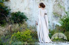 Medieval renaissance flax linen chemise Archeress by armstreet, $124.50