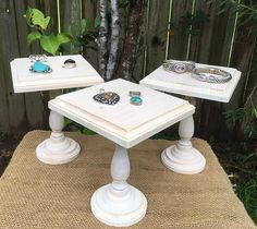 These wooden jewelry displays will add a Rustic look to your jewelry display or . - These wooden jewelry displays will add a Rustic look to your jewelry display or jewelry show. Jewelry Table Display, Bracelet Display, Earring Display, Jewellery Storage, Boutique Jewelry Display, Jewellery Organization, Vendor Displays, Craft Fair Displays, Display Ideas