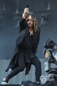 http://www.cuttingedge.be/system/files/styles/gallery_large/private/30secondstomars130615_8.jpg?itok=VKzWziF-