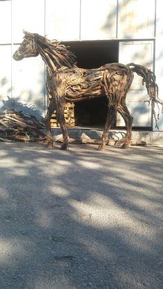 driftwood horse sculpture by durul bakan