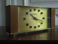 Mid Century table clock from the 70s with Junghans clockwork - Mid Century Tischuhr aus den 70ern mit Junghans Uhrwerk von SKATTInterior auf Etsy