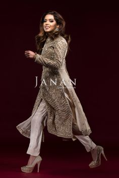 Mariyah Khan looks #ethereal in a haute couture Faraz Manan number. This silver blush dress is a harmony consisting of dabka and sequin work, on silk and chiffon.  Love fashion. Love J A N A N