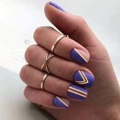 Developing the ideal manicure and nail art design isn't only about shade or style. Sparkle Nail Designs, Sparkle Nails, Fancy Nails, Trendy Nails, Fabulous Nails, Gorgeous Nails, Blue Matte Nails, Yellow Nails, Coffin Nails Ombre