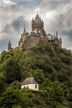 8 Fairytale Castles in Germany That You Need to Visit. Germany is home to thousands of castles, but these incredibly beautiful and well-designed castles and palaces will take your breath away. Discover the true Disney inspired castles right here in Germany! | Fairytale Castles in Europe | Fairy-tale Castles in Germany | #Castles #GermanyTravel #GermanCastles | Padkos.co